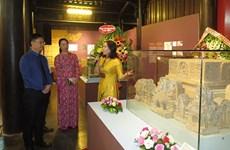 Efectúan exhibición por 60 aniversario del hermanamiento de Hanoi-Hue-Saigón