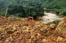 Recuperan cuerpos de 13 miembros de equipo de rescate tras deslizamientos de tierra en Vietnam