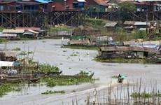 Realizan en Camboya donativo para apoyar a residentes de origen vietnamita en el lago Tonle Sap