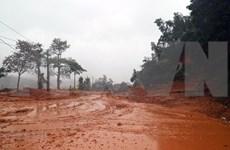 Logran acceso a escenario de deslave grave en Vietnam