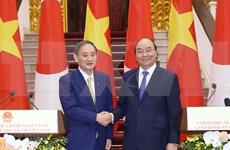 Vietnam y Japón firman acuerdos por cerca de cuatro mil millones de dólares