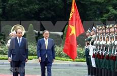 Medios japoneses destacan importancia del viaje del premier Suga Yoshihide a Vietnam