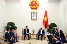 Primer ministro de Vietnam recibe a vicepresidente de Samsung