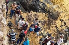 Reportan 11 fallecidos en deslizamiento de tierra en Indonesia