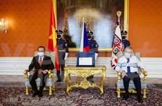 Presidente checo destaca la amistad con Vietnam
