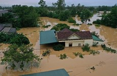 Miles viviendas permanecen inundadas en la provincia centrovietnamita de Quang Binh