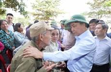 Premier de Vietnam decide suministra desinfectantes químicos de reserva nacional a provincias centrales