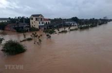 Organismos internacionales ayudan a pobladores vietnamitas afectados por inundaciones