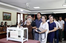 Vietnamitas en Laos recaudan fondos para ayudar a población afectada por desastres