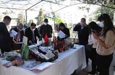 Exposición fotográfica sobre el 58 aniversario de las relaciones diplomáticas entre Vietnam y Argelia