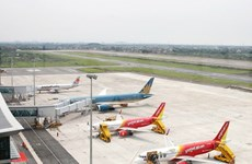 Tifón Molave afecta casi 130 vuelos en la región central de Vietnam