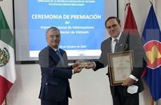 Entregan premios de prensa a periodistas mexicanos