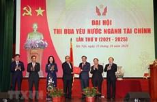 Premier vietnamita exhorta a sector financiero a maximizar uso de recursos de capitales
