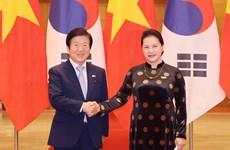 Dirigentes parlamentarios de Vietnam y Corea del Sur expresan disposición de fortalecer relaciones