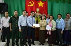 Camboya entrega donaciones a la región central de Vietnam afectada por desastres naturales