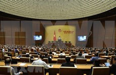 Parlamento de Vietnam debate medidas destinadas al desarrollo sostenible de la economía