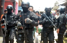 Policía de Indonesia arresta a seis presuntos terroristas