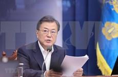 Presidente de Corea del Sur llama a prestar atención a garantía de salud pública y crecimiento económico