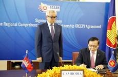 Valora prensa camboyana la firma del acuerdo RCEP como logro histórico de la región