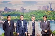 Embajadores de ASEAN promueven asociación con Ucrania