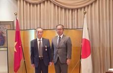 Profesor vietnamita recibe la Orden del Sol Naciente de Japón