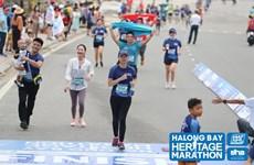 Miles de atletas participan en Maratón Internacional de la Bahía de Ha Long