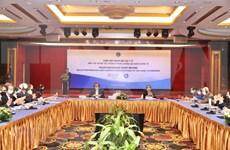 Vietnam refuerza cooperación en salud para responder al COVID-19