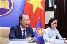 Copresiden Vietnam y China foro virtual de Asia Oriental