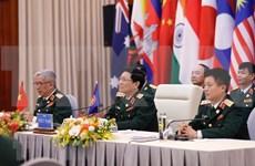 Singapur destaca éxito de Vietnam en organización de reuniones ministeriales de defensa de ASEAN