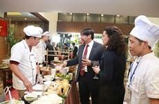 """Exponen la belleza de la cultura culinaria vietnamita en la gala """"Historia de Pho"""""""