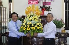 Felicitan por Navidad a comunidades católicas en provincia vietnamita de Vinh Long