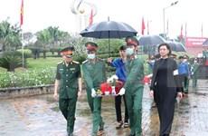 Sepultan restos de 58 combatientes vietnamitas caídos en la guerra