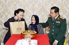 Vietnam entregará regalos a personas con mérito revolucionario en ocasión del Tet