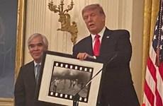 """Autor de instantánea """"La Niña del Napalm"""" recibe medalla de EE.UU."""