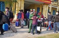 Ciudadanos repatriados cumplen cuarentena en provincia de Tien Giang