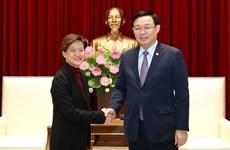Dirigente de Hanoi destaca fructífero desarrollo de relaciones con Singapur