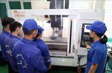 Vietnam necesita fortalecer desarrollo de habilidades profesionales, recomienda banco asiático