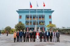 Empresa checa respalda producción de rodillos industriales en provincia vietnamita