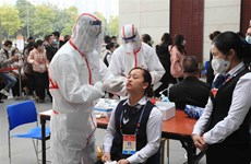 Realizan pruebas del COVID-19 a participantes en XIII Congreso partidista de Vietnam