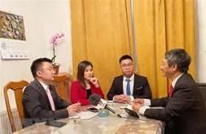 Vietnamitas en República Checa por coadyuvar al progreso de la Patria