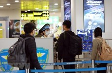 Aviación de Vietnam refuerza combate antiepidémico
