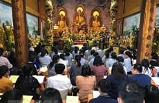 Vietnamitas en Laos rezan por la paz y prosperidad
