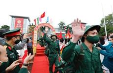 Miles de jóvenes hanoyenses se alistan al ejército