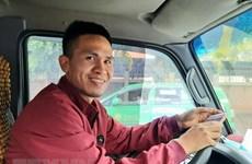"""Repartidor vietnamita se convierte en """"héroe"""" tras gesto humanitario"""