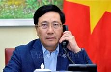 Vietnam y Singapur buscan medidas para promover cooperación