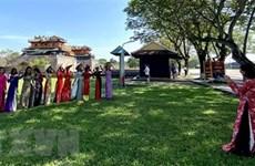 Hue ofrece entrada gratuita a reliquias para ciudadanos con traje tradicional