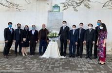 Embajada vietnamita rinde homenaje póstumo a periodistas argelinos caídos en Vietnam