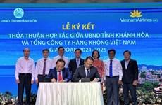 Vietnam Airlines y Khanh Hoa fomentan la cooperación en el turismo