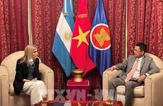 Telam dispuesta a fortalecer cooperación con la Agencia Vietnamita de Noticias