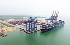 Instalarán otras grúas STS para el puerto más grande de Vietnam